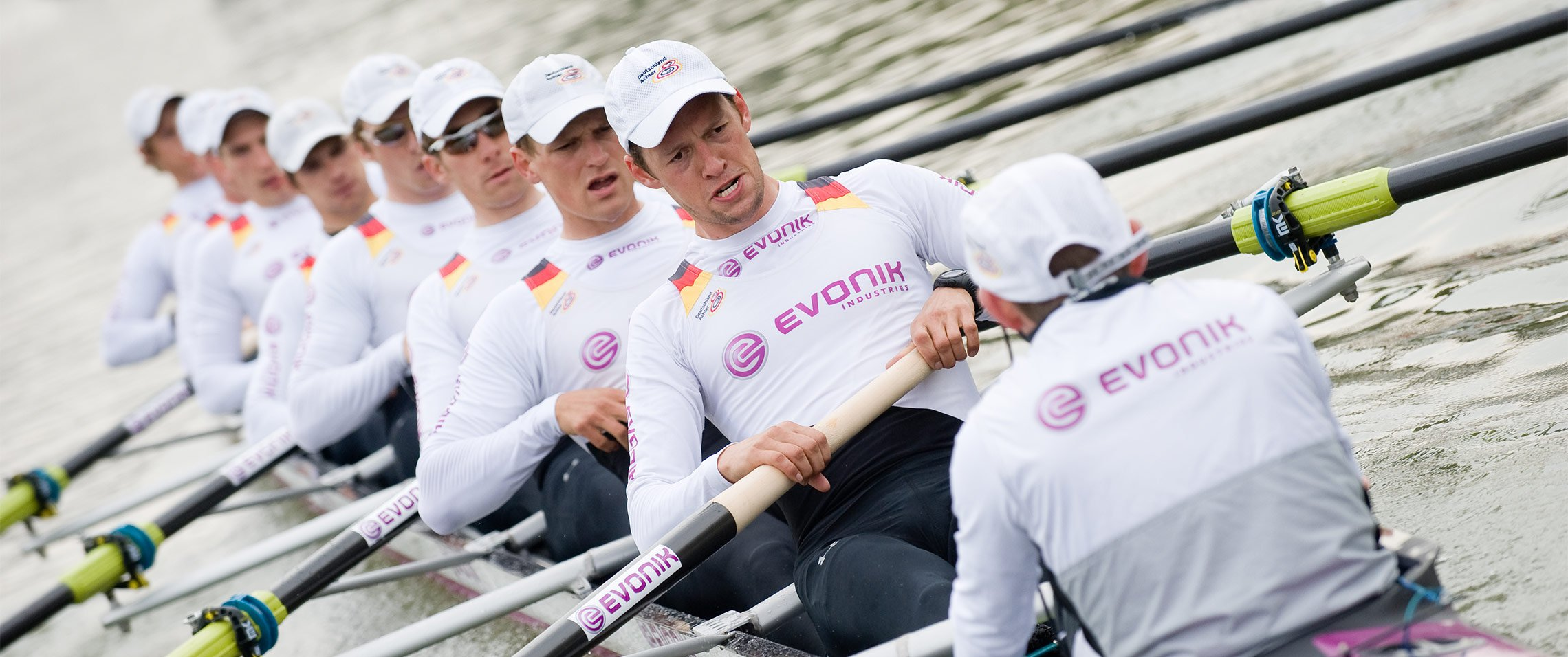 why-evonik-team-spirit-hero.jpg